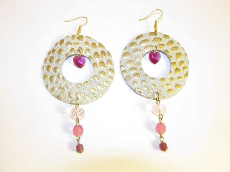 Handmade leather earrings (1 pair)  Made with embossed leather beige/gold, glass beads and swarovski hearts.