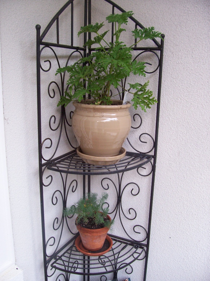I Want A Corner Plant Stand Like This For My Front Porch