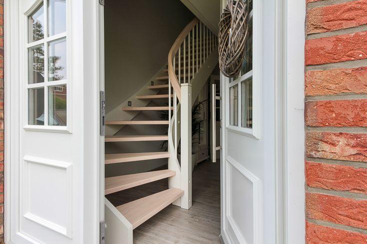 52 besten bauideen treppen bilder auf pinterest treppen holz und landhausstil. Black Bedroom Furniture Sets. Home Design Ideas