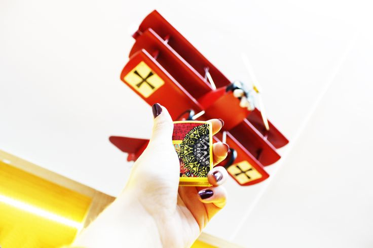 Canlı renkleri sevenlere özel tasarımlar! #originalzippo #orijinal #çakmak #zippo #aksesuar #tobacco #limitededition #sanaözel #tarz #stil #original #carrystrong #madeinusa #lighter #madeinusa #carrysmarter #uçak #maket #elyapımı #haftasonu #hediye