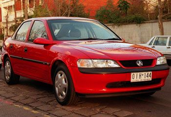 Holden Vectra - Red