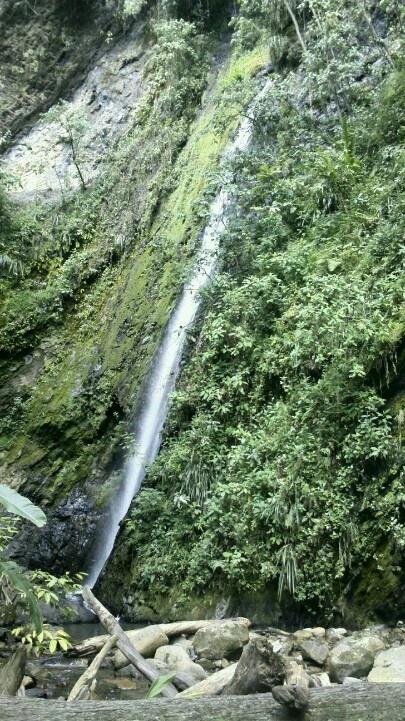 Cascada El Tambo en San Antonio de Tena -Cundinamarca