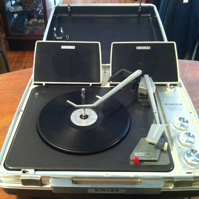 Singer Portable Suitcase Record Player Turntable Gallery