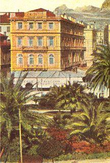 """Ξενοδοχείο """" EXCELSIOR """". Αρχιτέκτων Ernst Moritz Theodor Ziller. Από το 1912-1926 ονομάστηκε '' ΒΙΚΤΩΡΙΑ'' και είχε 100 δωμάτια."""