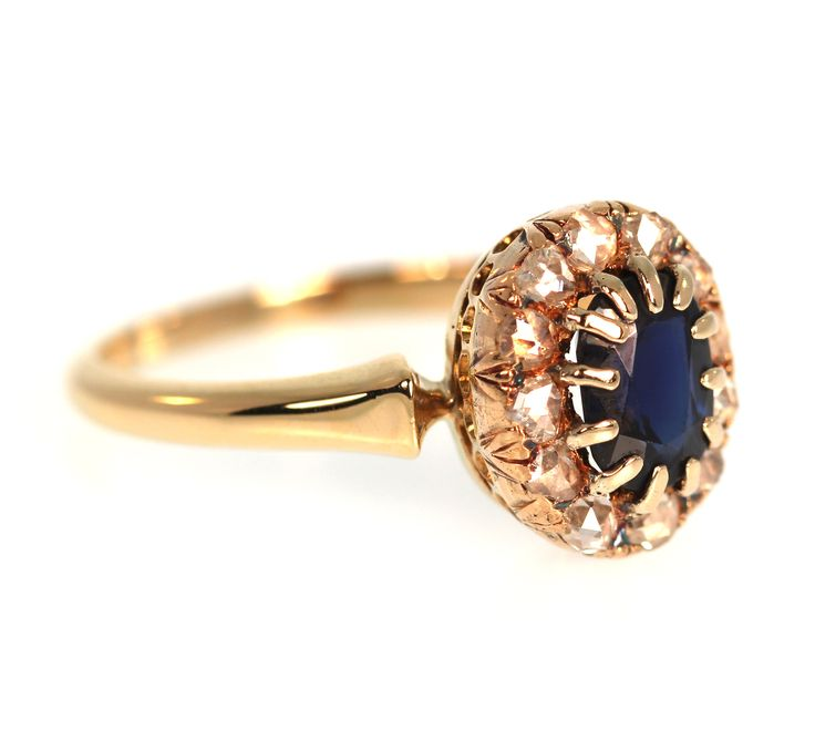 Antique Sapphire Ring in Yellow Gold with Rose Cut Diamonds