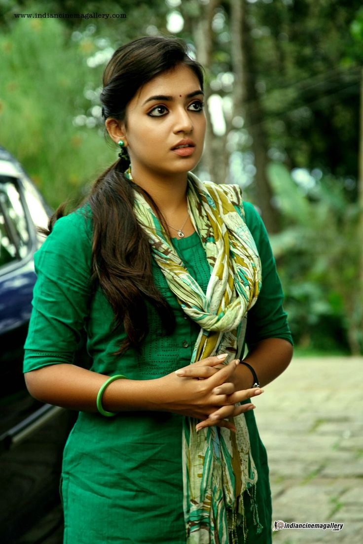 Nazriya-in-Vaayai-Moodi-Pesavum-movie-(3)