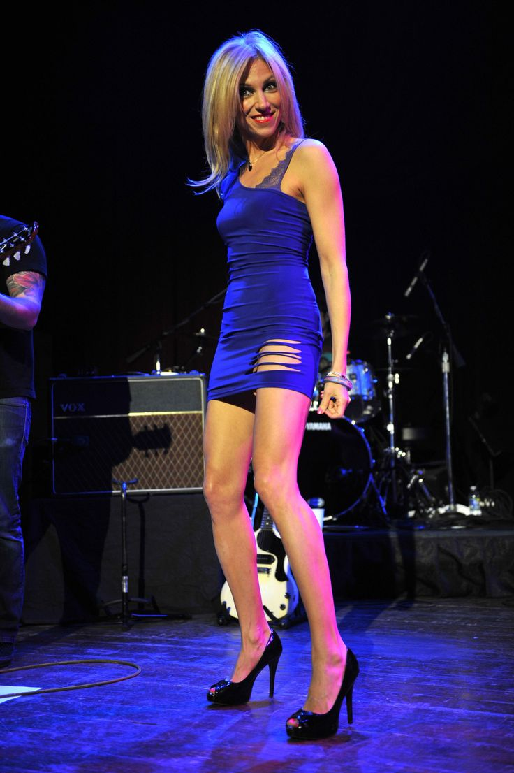 Debbie Gibson performs hot at the House of Blues