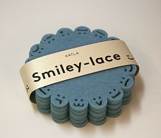 Smiley-lace coasters by Katla