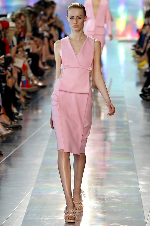 "9. PENCIL YOUR SKIRTS  (Christopher Kane, Roland Mouret,...)  ""Ladylike & demure, think pastels and lace, or sexy & sophisticated in clashing colors and trendy patterns."""