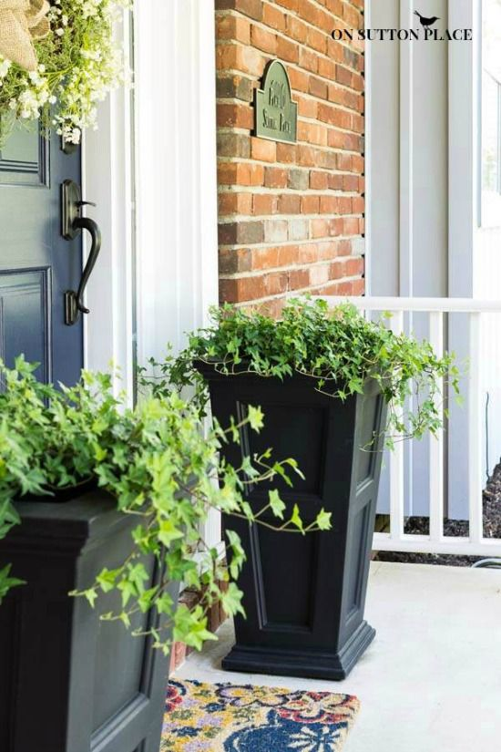 10 best ideas about front door planters on pinterest front porch planters front door plants. Black Bedroom Furniture Sets. Home Design Ideas