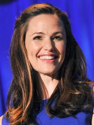 Jennifer Anne Garner (born April 17, 1972) is an American actress and film producer. Her breakthrough film debut was in the comedy Dude, Where's My Car (2000). Following a supporting role in Pearl Harbor, Garner gained recognition for her performance as C..