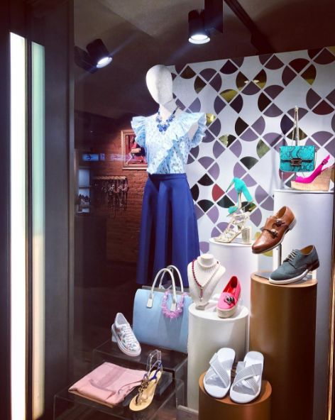 🦋GOOD MORNING, DEAR FRIENDS!🦋 🍍Proposal for today- HAPPINESS 🍍 👗Let's dress it the best way together! 👠👞👟😘 #CherryHeel #Barcelona #luxury #boutique #friday #windowdisplay #summer2017 #happy #outfit #shoes #clothing #accessories #madeinitaly #dolcevita #lifestyle #mediterranean #summer #look #newarrival #fashionmen #fashionwomen #viernes #felizdia #moda2017 #барселона #шоппинг #итальянскиебренды #стиль #мода201