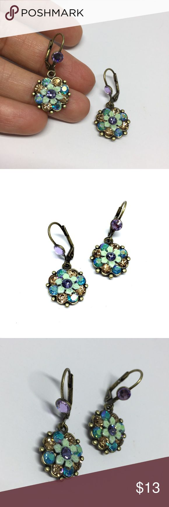 Colorful Vintage Look Flowers Drop Earring Add this beautiful Vintage look to your daily. Rhodium is a precious metal, a member of the PLATINUM family. Rhodium electroplating is used, especially on jewelry, to provide a surface that will resist scratches and tarnish. Rhodium plating is most often found on white gold. •Material: Metal, Tin alloy, anti allergic, lead and nickel compliant. •BRAND NEW WITH TAG•BUNDLE TO SAVE•SAME DAY OR NEXT DAY SHIPPING• 🔴I PRICES MY ITEMS REALLY LOW🔴 NO…