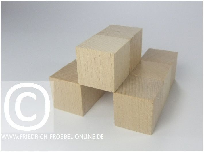 Gift 3 Froebel:  Ein Tunnel, gebaut mit Holzbausteinen natur (mit Spielgaben nach Froebel)