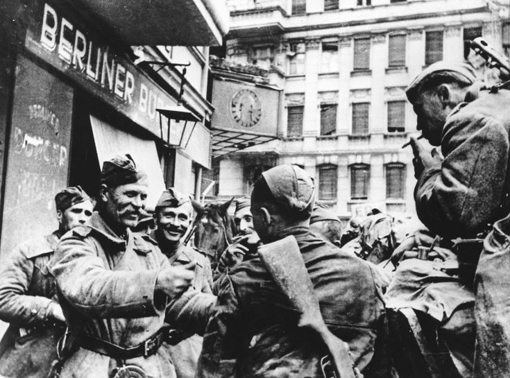 Soviet soldiers in Berlin, May 1945 www.SELLaBIZ.gr ΠΩΛΗΣΕΙΣ ΕΠΙΧΕΙΡΗΣΕΩΝ ΔΩΡΕΑΝ ΑΓΓΕΛΙΕΣ ΠΩΛΗΣΗΣ ΕΠΙΧΕΙΡΗΣΗΣ BUSINESS FOR SALE FREE OF CHARGE PUBLICATION