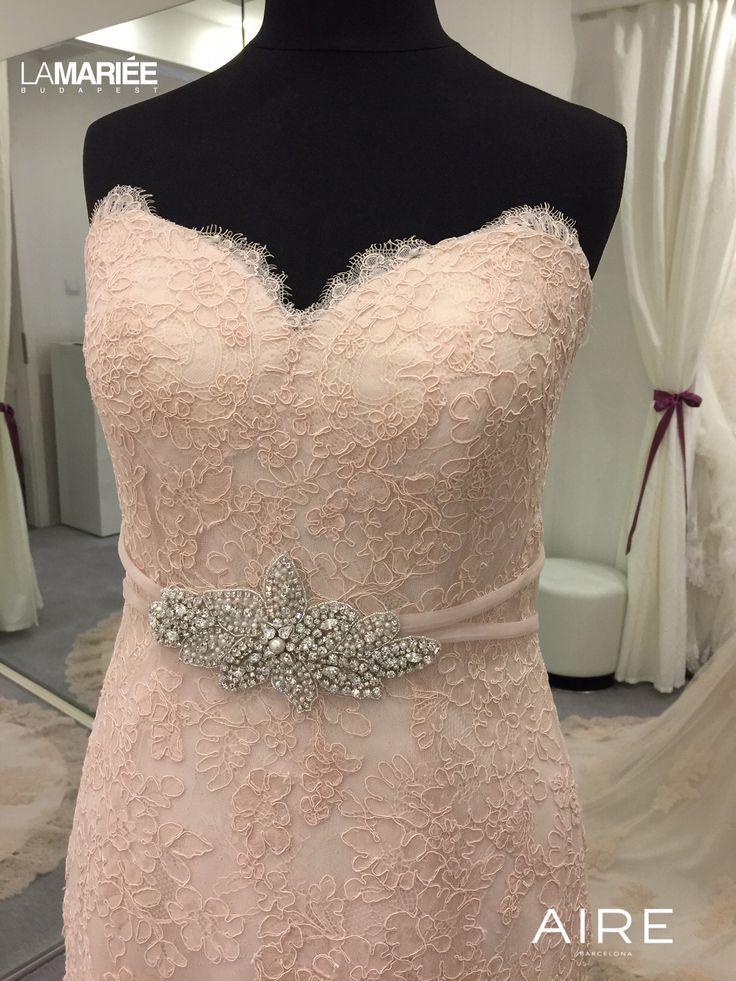 Színes esküvői ruha Amelie by Rosa Clara http://lamariee.hu/eskuvoi-ruha/aire-2015/amelie