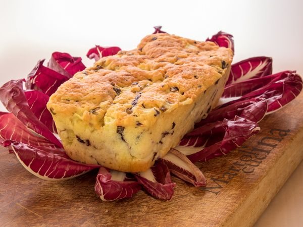Plumcake 7 vasetti con radicchio, pecorino e mele (in forno tradizionale e in microonde)