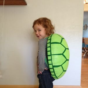 Homemade Turtle Costume: Best turtle shell tutorial! I used fabric instead of felt because that's what I had on hand, and it turned out super cute. I made mine about half the size but still went out the full 3 inches it tells you to in the tutorial for a good rounded back.