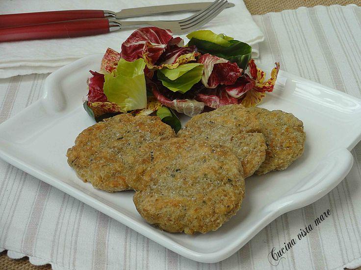 Le crocchette di pesce sono un secondo piatto semplice, gustoso e leggero e si preparano con facilità con pesce fresco o surgelato.