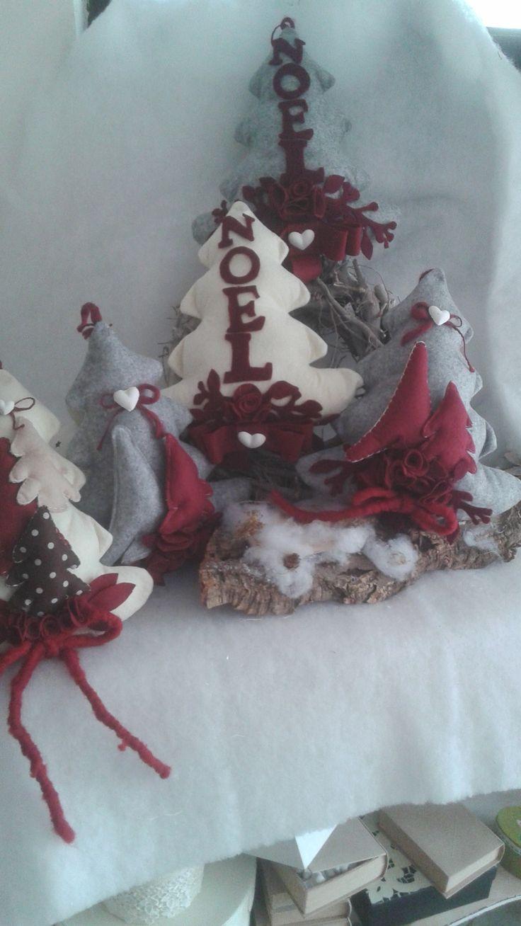 alberi di Natale fuoriporta in feltro 20 euro per info adriana.loria@tiscali.it