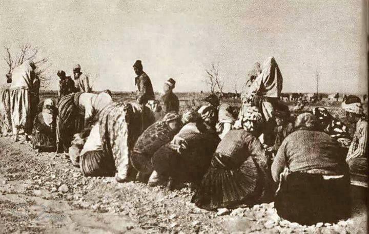 Kurtuluş Savaşı''nda Mehmetçik ulaşım sağlasın diye elleri ile demiryolu yapan kadınlarımız.