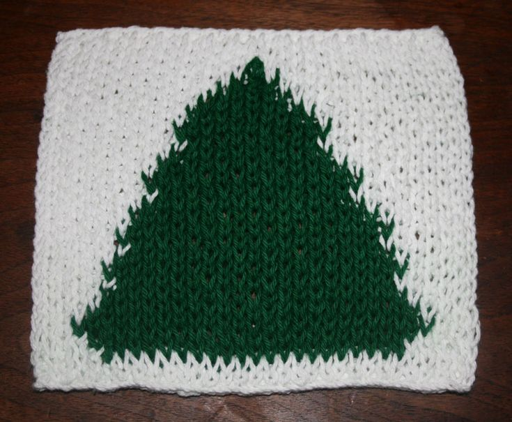 Simple Lace Knit Pattern : Christmas Tree Intarsia Wash Cloth Free Loom Knit Patterns & Instructio...