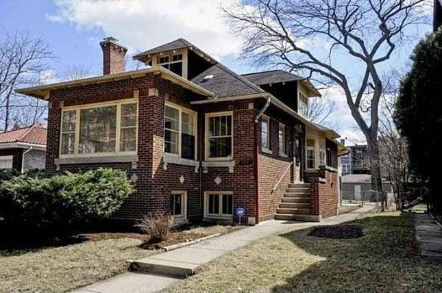 38 best images about chicago brick bungalows on pinterest for Bungalow house chicago