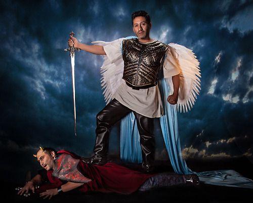 Peereboom photography. Angel vs devil