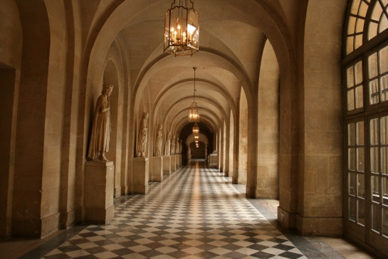 A grand hallway in the palace of Versailles. #marble #tiles #columns #arches
