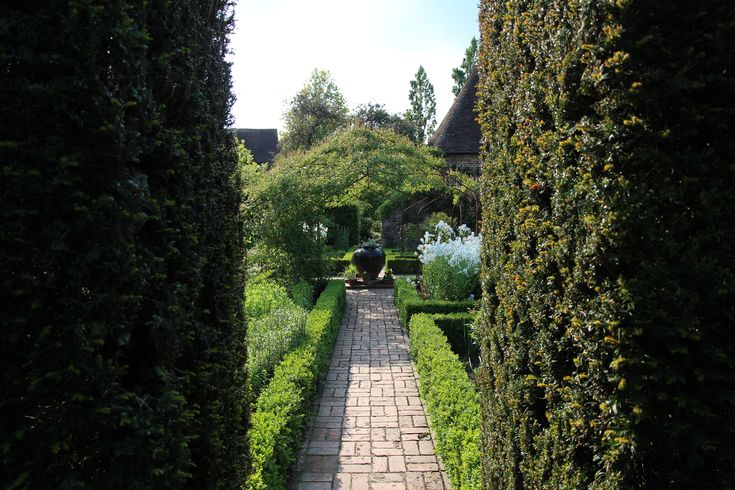 Prachtige doorkijk in de Engelse tuin.