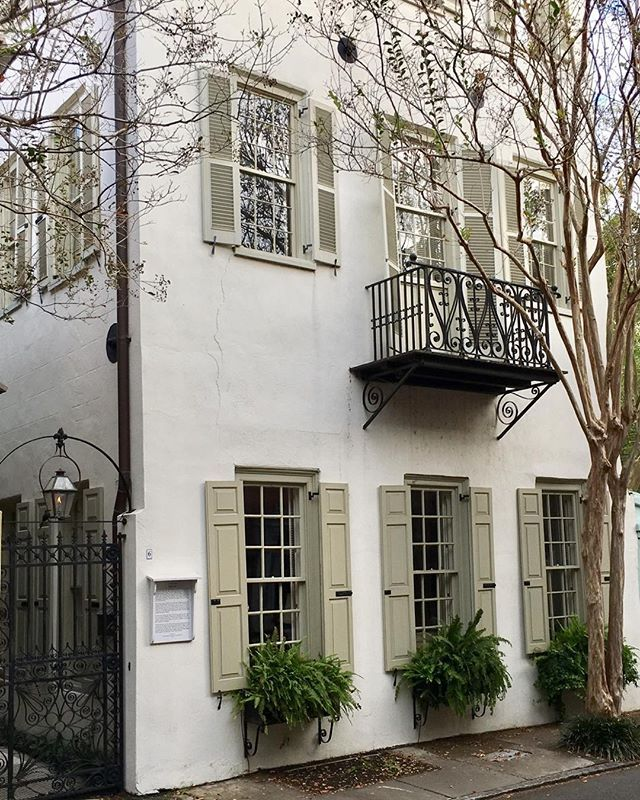 This has always been a favorite. Located on Tradd St, the John Fabre Jr. house was built ca. 1788 within the old walled city. Love the trim/shutter color. #charleston #traddstreet #toneontone #preservation #southofbroad
