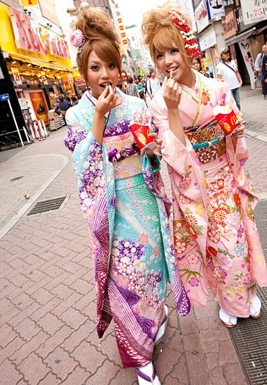 Popteen models in modern kimono