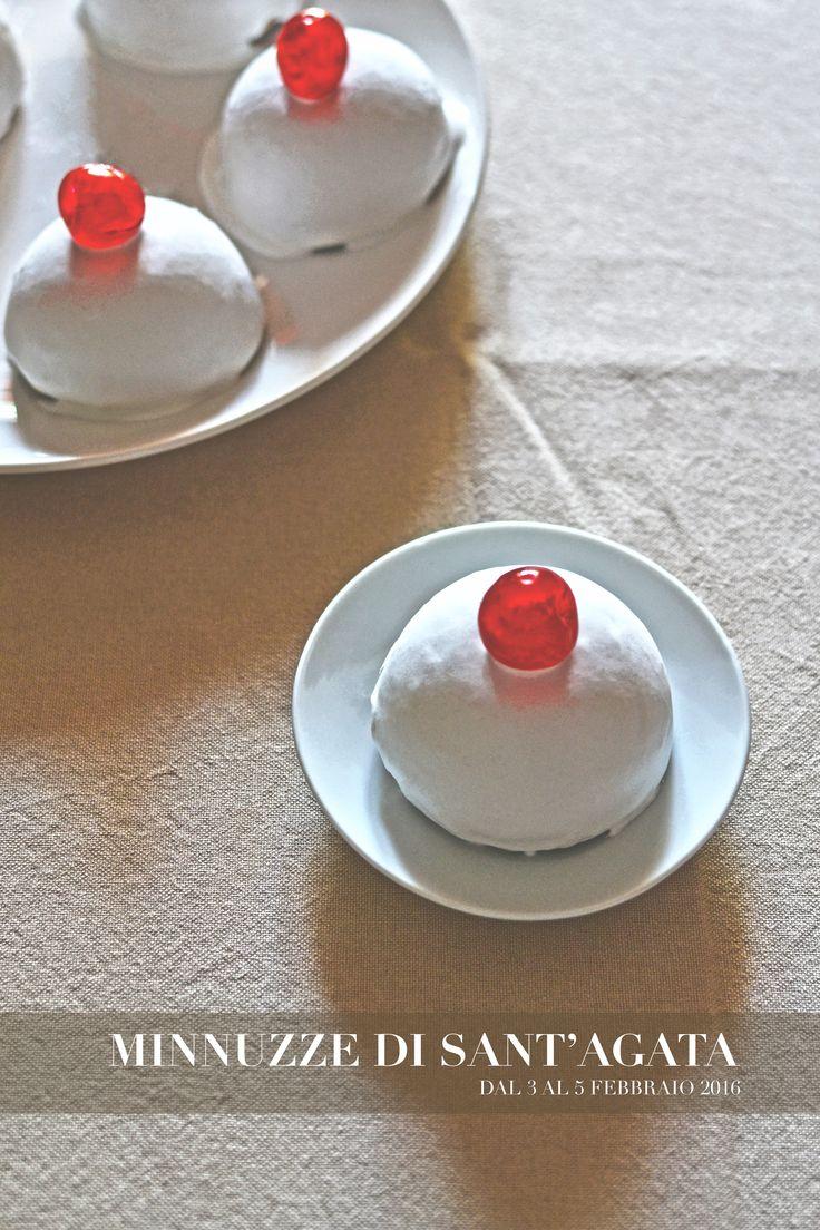 Dolce tipico della tradizione culinaria Catanese / realizzato in onore della Santa Patrona Agata.