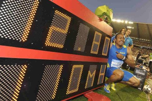 "L'Américain Aries Merritt bat le record du monde du 110m haies. 12""80."