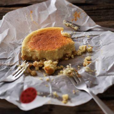 プレゼントやちょっとしたお土産にも喜ばれるチーズケーキ。せっかくならパッケージにも味にもこだわった「とっておきの1品」を持っておきたいところ。 今日お届けするのは神戸のケーキ屋さん「patisserie et…ARUKUTORI(歩く鳥)」 ...