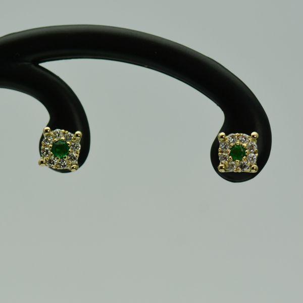 Cercei din aur galben cu smaralde si diamante #diamante #cerceicudiamante #cerceidiamant #diamondsearrings #diamonds #smaralde  #cerceicusmaralde  #emeraldearrings #emeralds