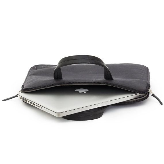 Dunag 15.6 inch Compatible Laptop Sleeve brings modern-day fashionable style to office outfits. With external pocket this Laptop Sleeve is designed for