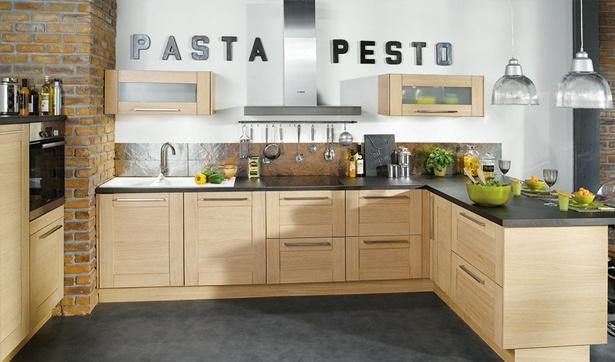 Conforama - Cuisine bois blanchi, ardoise noire et briques / Inspiration bistrot