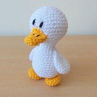 Crochet Duck Pattern Amigurumi : 274 best images about amigurumi birds, parrots, etc on ...