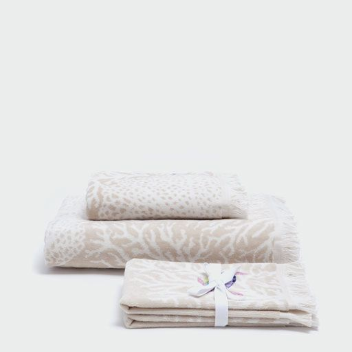Image of the product VELVET COTTON TOWELS WITH EMBROIDERED DETAILS