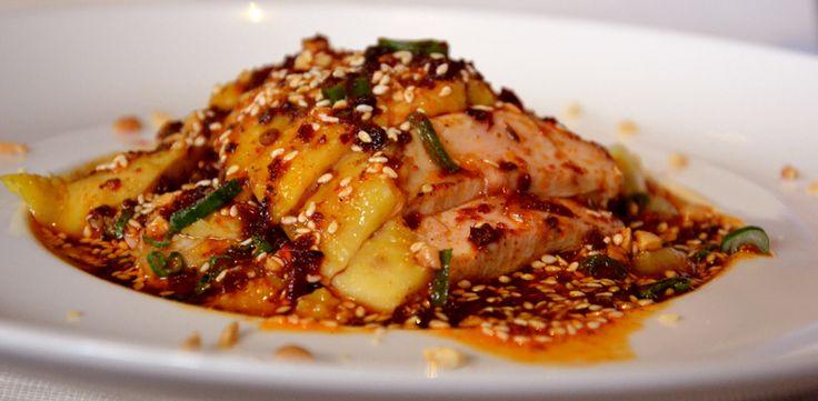 Pollo freddo in salsa piccante. Il pollo che fa aumentare l'acquolina. Ricetta del Ristorante Bon Wei di Milano per Expo. Un piatto tipico del Sichuan