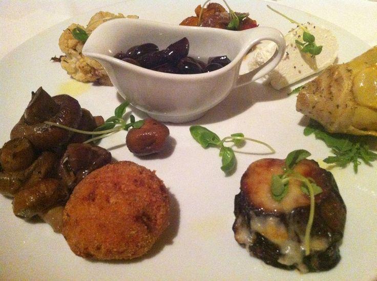 La Cuccina Antipasti -  Italian Summer Eating in Eilat, Israel | via #DeliciousIsrael
