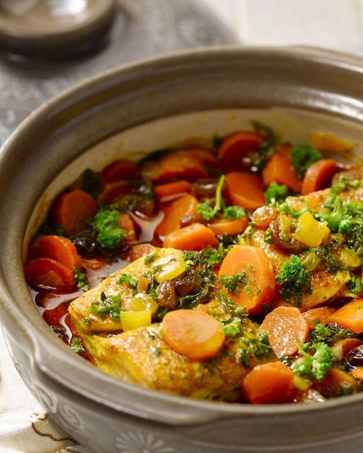 De Marokkaanse keuken komt helemaal tot zijn recht in deze heerlijke vistajine, met kabeljauw, harissa, zoete worteltjes en tal van kruiden en specerijen.