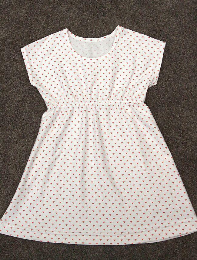 бесплатно швейная шаблон для игровой платье узором Этот простой девочек в 6 различных размеров!  4-14 Simple baby girl dress