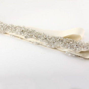 Amanda Wyatt  garter at the Shopping Mall, £5.85 from Barony Brides