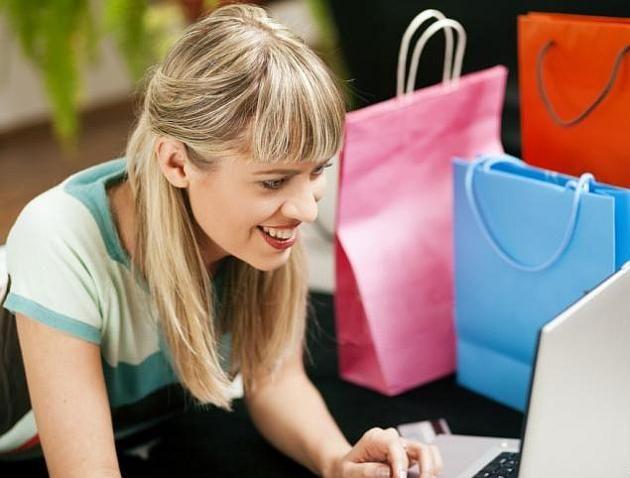 Bezpieczne zakupy online podczas letnich wyprzedaży