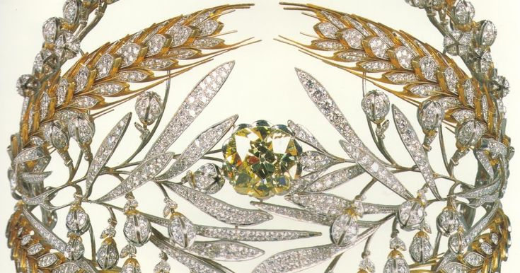 Empress Maria Feodorovna (wife of Paul I, not the other one) commissioned a diadem from the famous Duval Brothers. The Empress wanted someth...