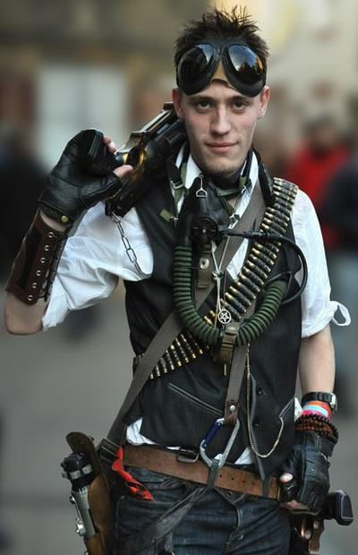 Terrific layering, good mix of modern industrial fashion - the perfect mixture creating the perfect steampunk outfit