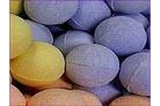 Bath bombs are fun for kids and adults alike by adding a fun fizz and bubbles to an otherwise boring bath ritual. Bath bombs add color to the water and release a calming or awakening scent, depending on which fragrance you use. Adding shea butter to your homemade bath bombs gives an extra moisturizing boost to your bath that everyone can use.