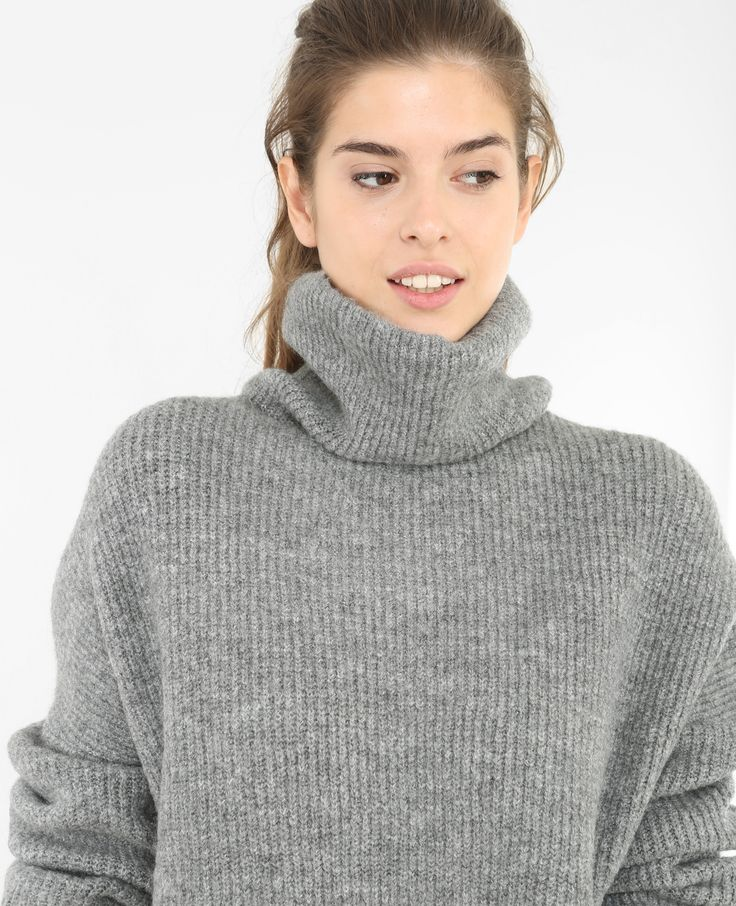 Pull oversize col roulé